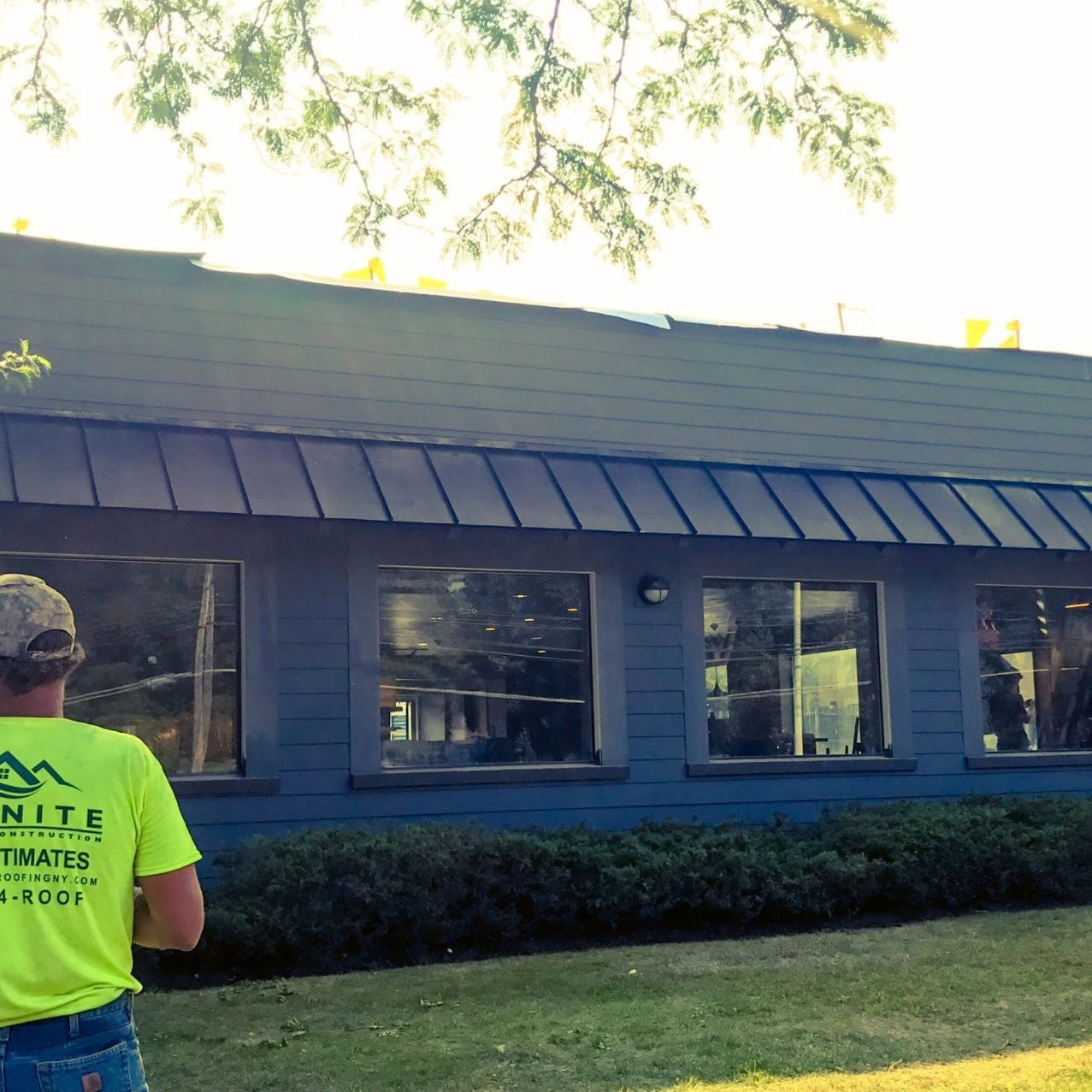Picture of Infinite Roofing Doing Siding Work for Starbucks